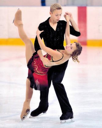 Natalie Robinson and Chase Ireland Heidt ice dancing