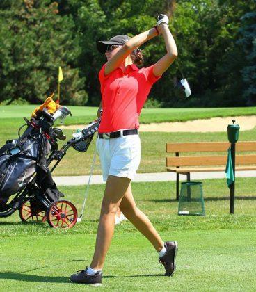Tess Scaman golf