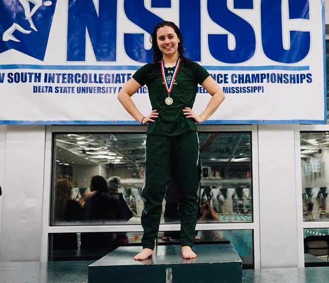 Maddy Lavoie NCAA swimming